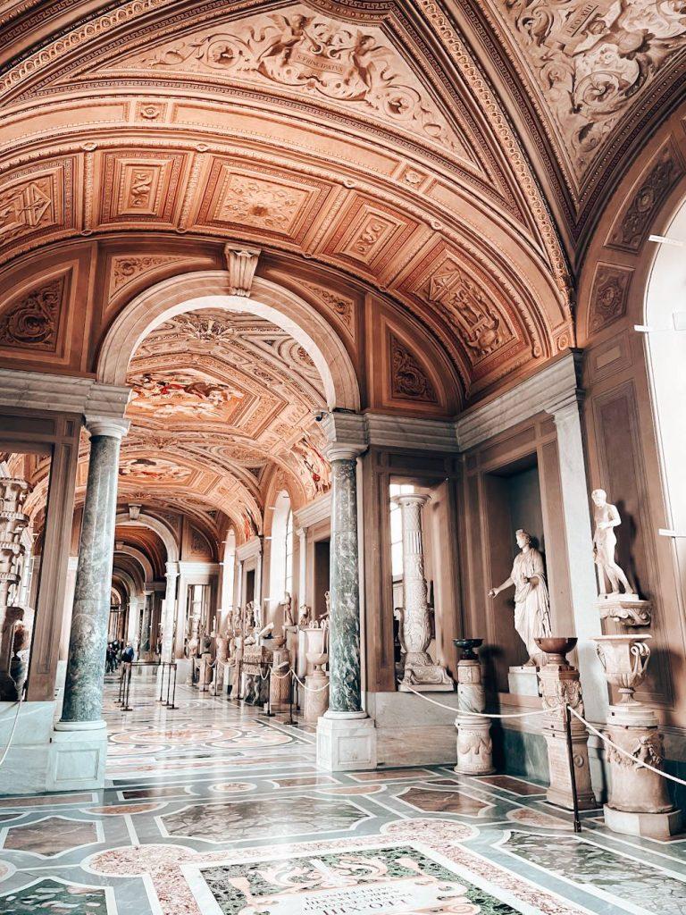 Galleria dei Candelabri Musei Vaticani